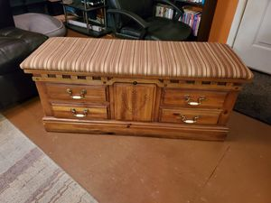 Solid wooden chest - great condition for Sale in Spartanburg, SC