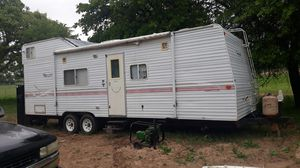 Fleetwood, bumper pull toy hauler for Sale in Dallas, TX