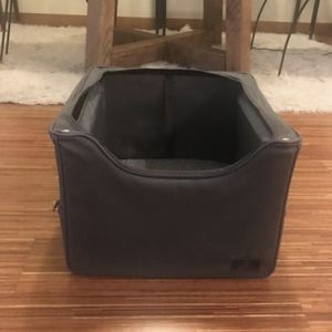 Medium Size Dog Car Carrier for Sale in Seattle, WA