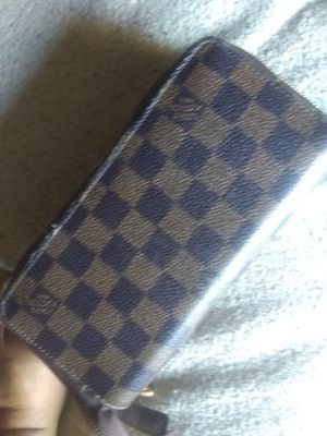 Louis Vuitton zipper wallet for Sale in Chino Hills, CA