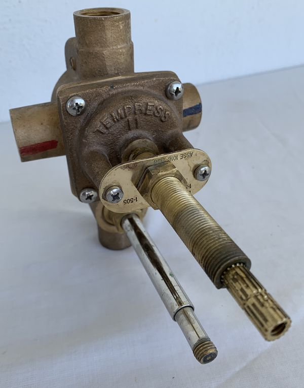 Newport Brass Brasstech Tempress II 1-505 4 Port Tub and Shower Trim Rough-In Diverter Valve w/ No Stops, like 1-595, 2 of 2