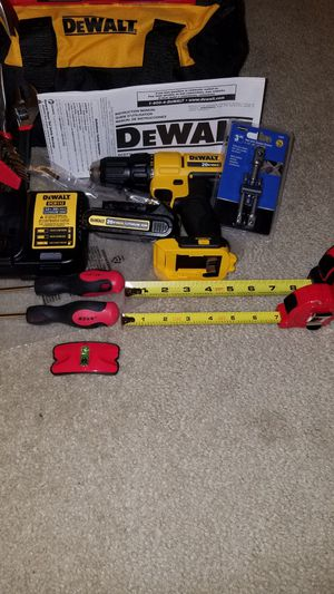 NEW Dewalt 20v MAX drill/driver with battery and charger and more for Sale in Ashburn, VA