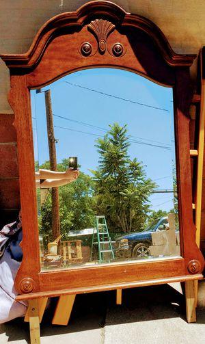 Espejo con un cajon sin botones madera solidad, medidaa: Alto 34 Largo: 29 Ancho: 10 for Sale in Perris, CA