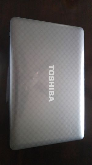 Toshiba i3 laptop for Sale in North Las Vegas, NV