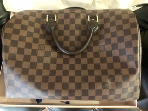 Louis Vuitton Speedy 35 hand bag for sale! Great condition barley used! for Sale in HUNTINGTN BCH, CA