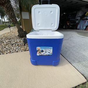 Cooler for Sale in Melbourne, FL
