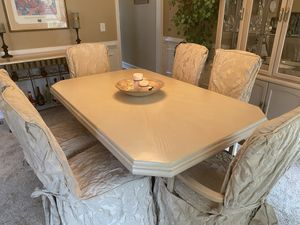 Rectangular dining room table with 6 chairs for Sale in Douglasville, GA