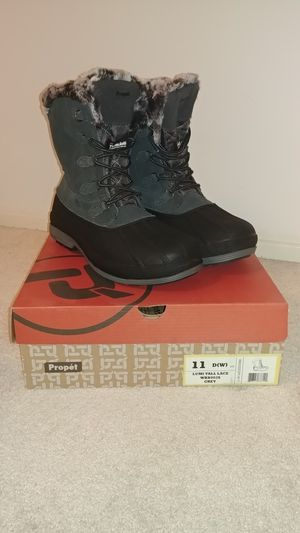 NEW Propet Snow / Rain Boots - 11W for Sale in Los Angeles, CA