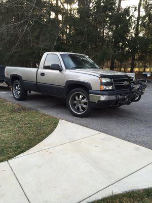 Vendo Chevy Silverado 1500 4x4 for Sale in Brookeville, MD