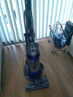 Dyson ball vaccum animal DC 25 for Sale in Boca Raton, FL