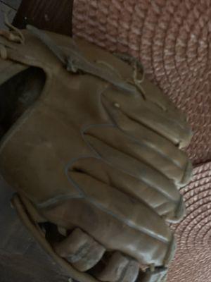 Rawhide Baseball Glove (R) for Sale in Dallas, TX