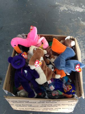 Box of beanie baby's. for Sale in Galloway, OH