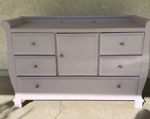 Lilac drawer/changing table and Crib for Sale in San Diego, CA