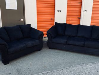 FREE DELIVERY - Black Living Room Set (Look My Profile For More Options) for Sale in Philadelphia,  PA
