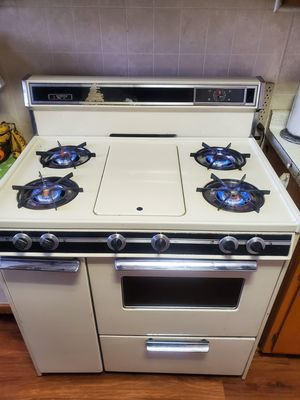 Hardwick stove for Sale in Melrose Park, IL