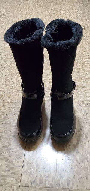 Women Khombu boot size 8 M black for Sale in Lockport, NY