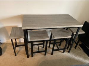 Table/ Island with 4 chairs for Sale in Hyattsville, MD