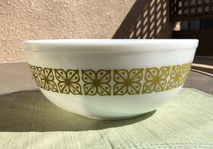 Vintage Pyrex for Sale in Diamond Bar, CA