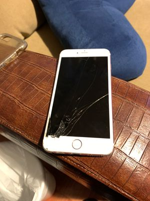 iPhone 6s Plus for Sale in Poinciana, FL