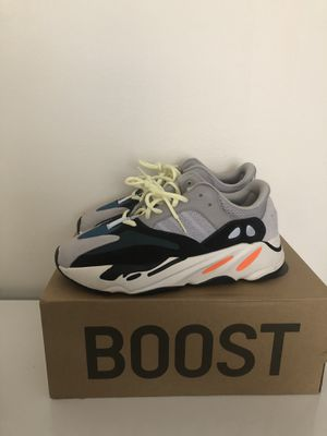 Adidas yeezy 700 wave runners for Sale in Blacklick, OH
