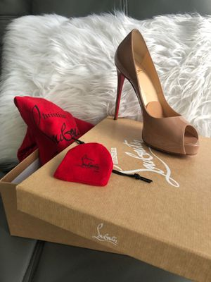Christian Louboutin Nude heels for Sale in Miami, FL