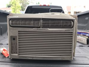 Frigidaire Window AC Unit for Sale in Denver, CO