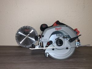 NEW M18 CIRCULAR SAW 61/2 (TOOL ONLY) NO BATERIA NO CARGADOR for Sale in Dallas, TX