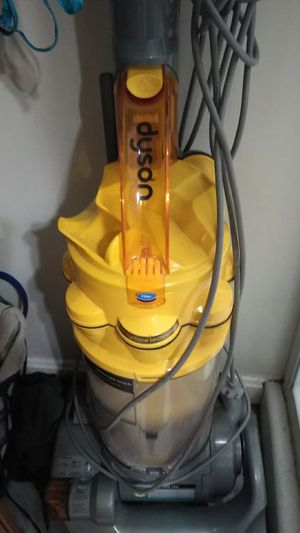 Dyson 14 all floors 400 dollar vacum I'm selling for 30.00 for Sale in Dundalk, MD