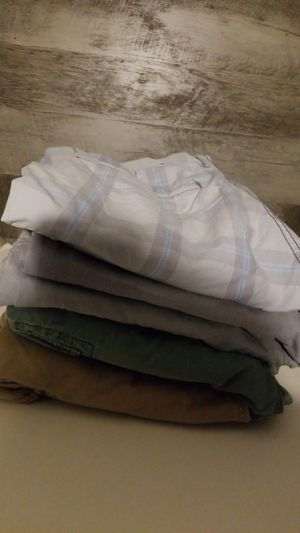 Lot of 5 mens shorts size 36 tommy,inc,oldnavy for Sale in Cooper City, FL