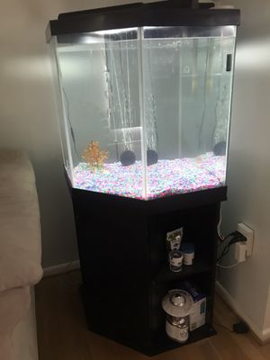 Fish tank for Sale in Upper Marlboro, MD