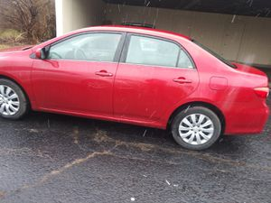 2013 toyota corolla (63,000)miles for Sale in Columbus, OH
