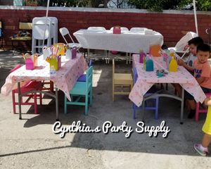 kids table n chairs for Sale in Bell Gardens, CA