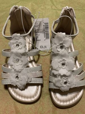 Children's place 6 toddler sandals for Sale in Medford, NJ