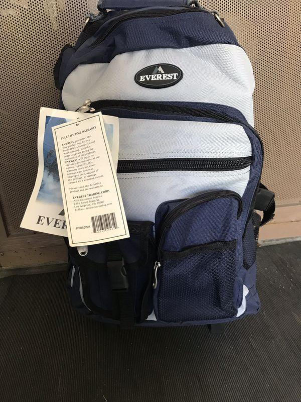 Everest rolling backpack
