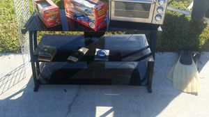 Tv stand for Sale in Cypress Gardens, FL