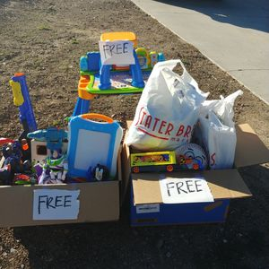 FREE TOYS/BOOKS/ PULL UPS 3T-4T for Sale in Corona, CA