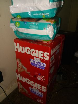 Diapers Size 5 for Sale in Columbus, OH