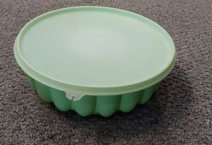 Vintage Tupperware Jello Mold With Lid for Sale in Burlington, NC