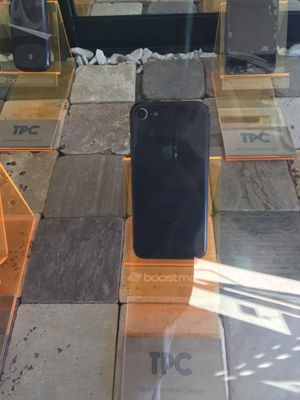 iPhone 8 t Mobile 270.00 for Sale in Willoughby, OH