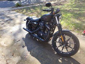 2017 Harley Davidson Sportster Iron 883 for Sale in Dumfries, VA