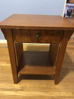 FREE - end table for Sale in Burbank, CA