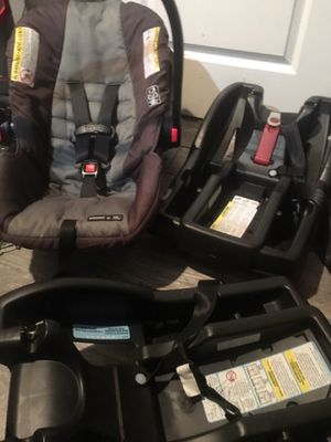 Graco Car seat and two bases for Sale in Orlando, FL