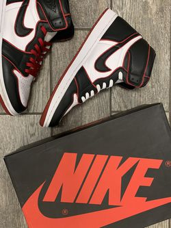 "Nike Air Jordan 1 High ""Bloodline"" for Sale in Signal Hill,  CA"