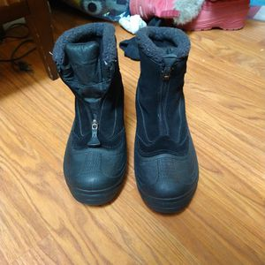SIZE 7 WOMEN'S COLUMBIA SNOW BOOTS for Sale in Santa Ana, CA