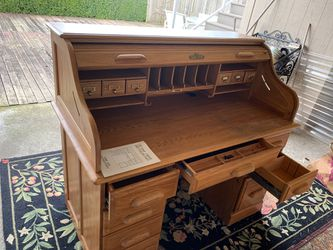 Desk-Oak Roll Top-Riverside Furniture.-Good condition for Sale in Woodway,  WA