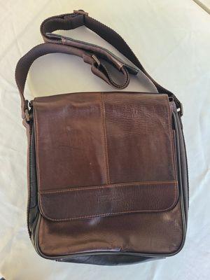 Kenneth Cole Messenger Bag for Sale in Monterey Park, CA