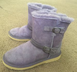 Girls winter boots, size 3 youth !!! for Sale in Los Angeles, CA