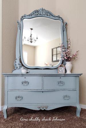 Antique Dresser, Vanity or Accent Table for Sale in PT CHARLOTTE, FL