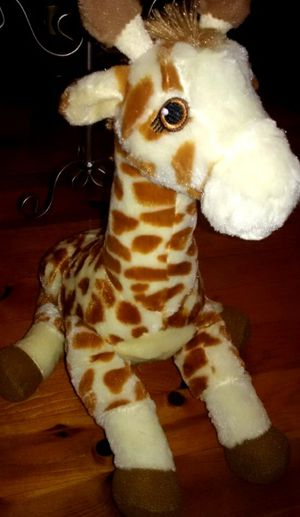 Plush giraffe,khol's giraffe, stuffed animals, plush animal for Sale in Los Angeles, CA