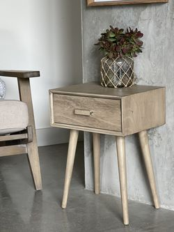 Solid Wood End Tables Set Of Two for Sale in Los Angeles,  CA